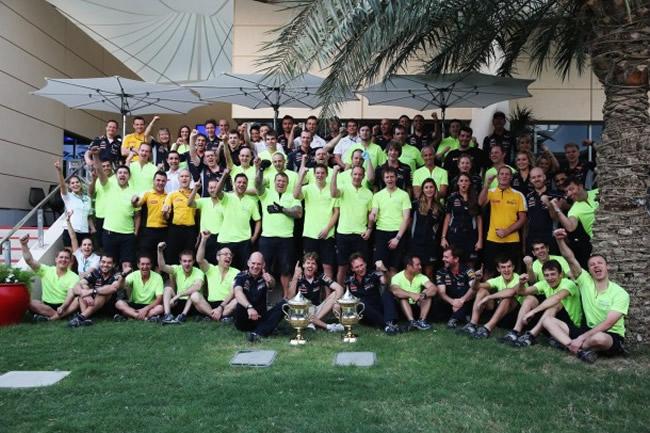Celebración - Victoria Sebastian Vettel - GP de Bahréin 2013