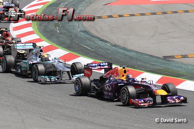 Red Bull - Mercedes - Sebastian Vettel - Lewis Hamilton -  David Sarró - www.noticias-f1.com