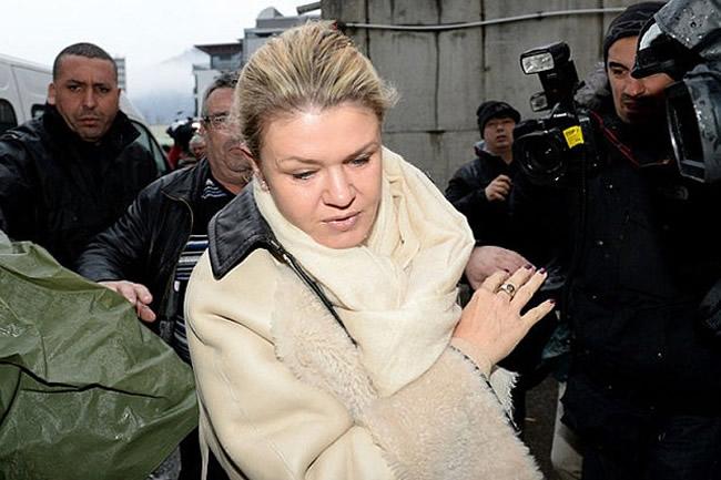 Corinna  - Michael Schumacher - Hospital Grenoble