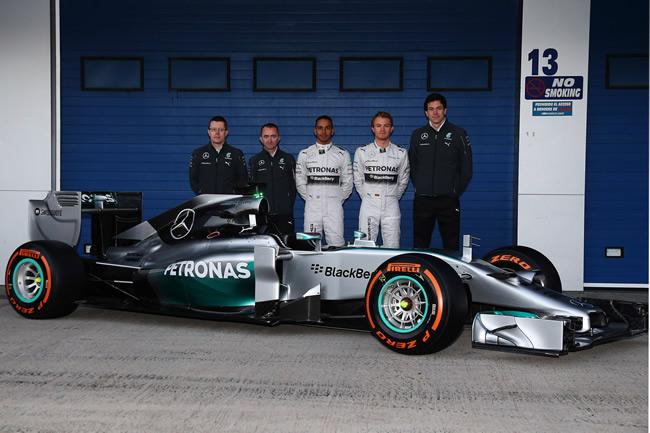 Presentación - Mercedes AMG F1 - W05 - 11 - Equipo