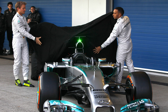 Presentación - Mercedes AMG F1 - W05 - 4