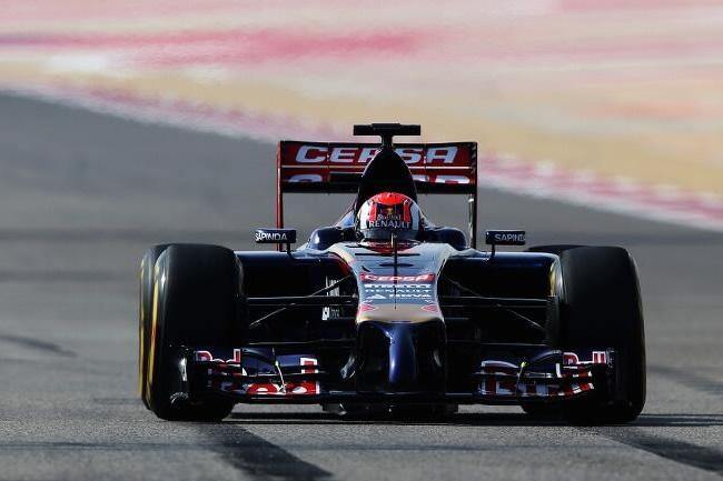 Daniil Kvyat - Scuderia Toro Rosso - Test 2 - Bahréin - día 5 - 1 - 2014