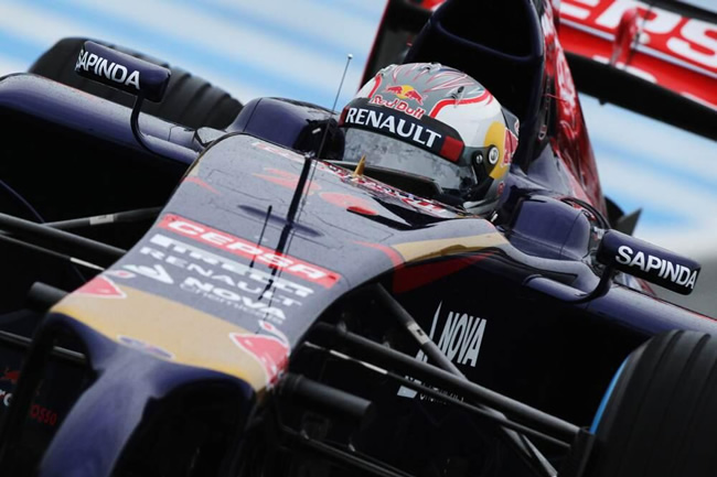 Daniil Kvyat - Toro Rosso - STR9 - Test Jerez - 2014