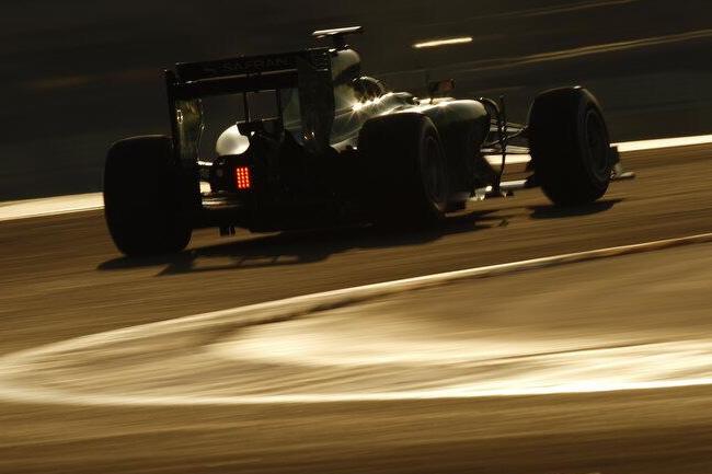 Kamui Kobayashi - Caterham - CT03 - Test - día 2 - 2014 - Bahréin