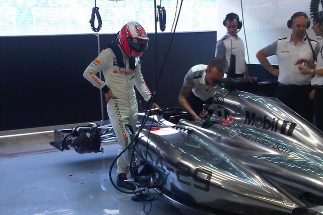 Kevin Magnussen - McLaren - día 2- Test Bahréin 2014