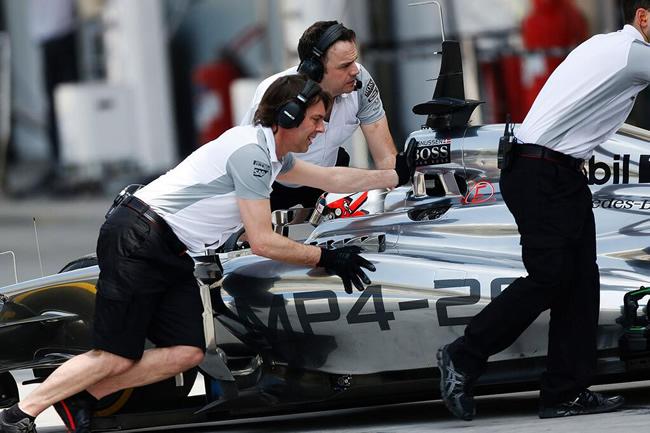 Kevin Magnussen - McLaren - 2014 - Test 2 - Bahréin