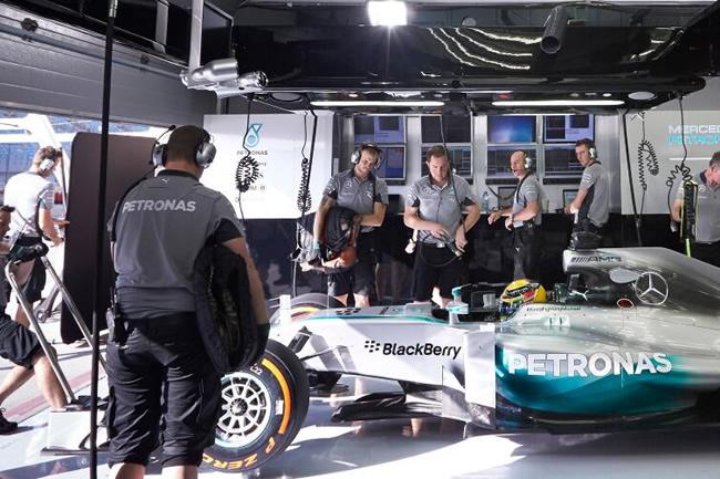 Lewis Hamilton - Test - Bahréin - Mercedes - día 1