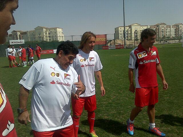 Santander - Evento Dubai - Fernando Alonso - Maradona - Futbol