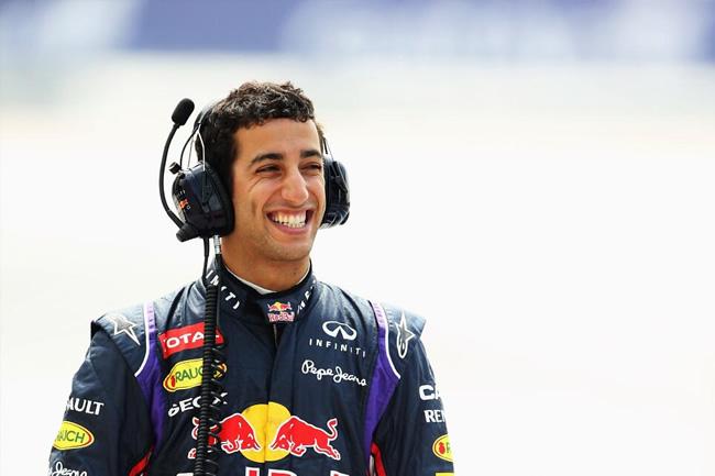 Daniel Ricciardo - Red Bull - Test Bahréin - 2014 - día 2 (6)
