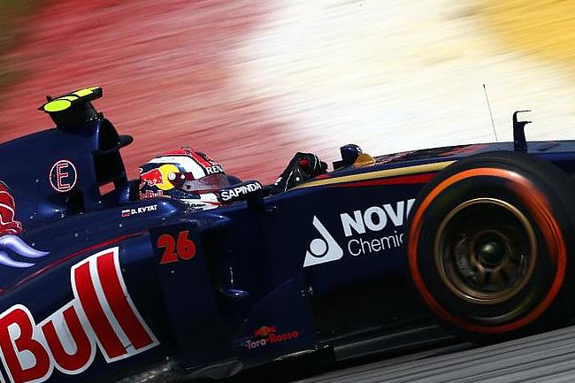 Daniil Kvyat - Toro Rosso - Gran Premio de Malasia, Sepang 2014 - Viernes