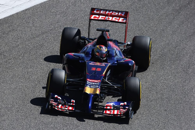 Jean-Eric Vergne - Scuderia Toro Rosso - Test 2 Bahréin - 2014 - día 8 (4)