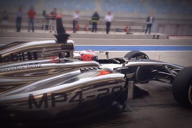 Jenson Button - McLaren - Test 2 Bahréin - 2014 - Día 8 (4)