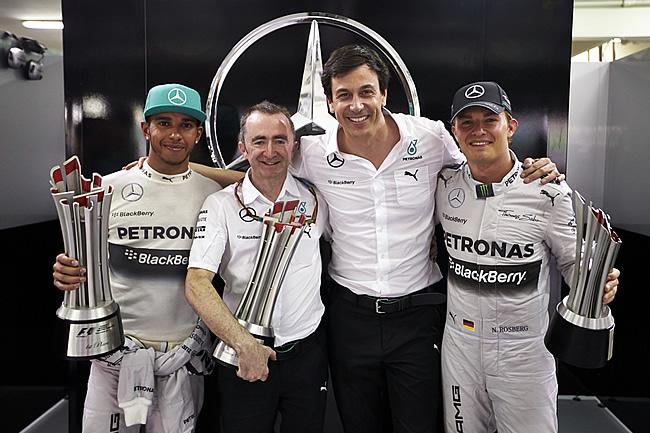 Lewis Hamilton - Nico Rosberg - Toto Wolff - Paddy Lowe - Gran Premio de Malasia - Sepang - 2014 - Domingo