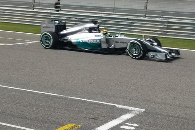 Lewis Hamilton - Mercedes - Test Bahréin - 2014 - día 2 (6)