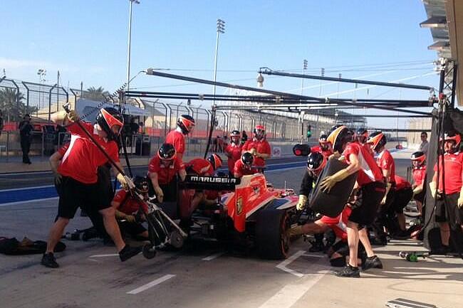 Max Chilton - Marussia - Test  2 Bahréin - 2014 - día 8 (4)