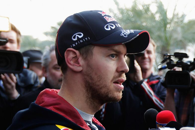 Sebastian Vettel - Red Bull Racing - Test Bahréin - 2014 - día 7 (3)