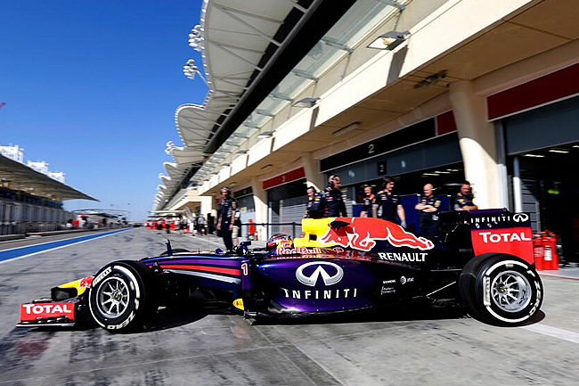 Sebastian Vettel - Red Bull Racing - Test 2 Bahréin - Día 8 (2)