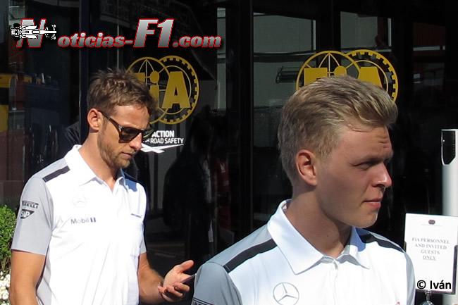 Kevin Magnussen - Jenson Button - McLaren - F1 2014 - www.noticias-f1.com