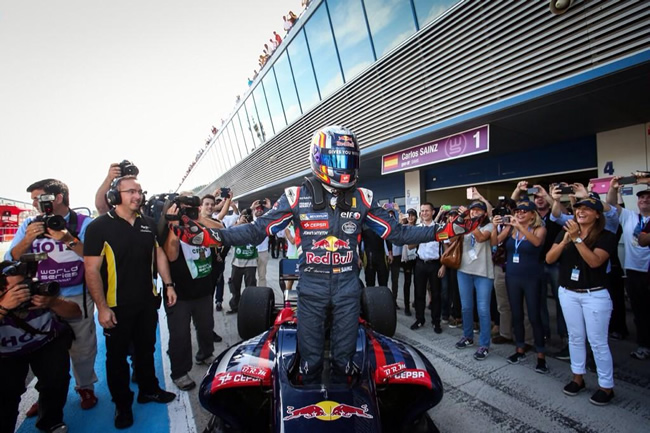 Carlos Sainz - Gana - World Series by Renault 3.5