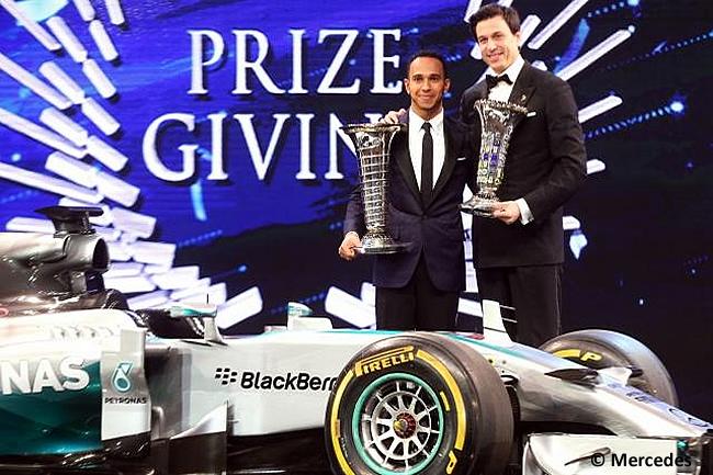 Lewis Hamilton - Toto Wolff - Mercedes - Gala Premios FIA 2014