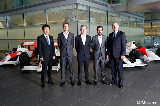 Presentación - Alineación McLaren-Honda - 2015 - Fernando Alonso - Jenson Button - Kevin Magnussen