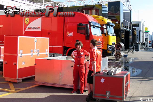 Scuderia Ferrari - Paddock