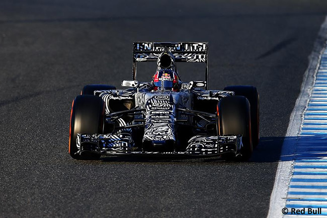 Red Bull Racing - Daniil Kvyat - RB11 - 2015 - Test Jerez -