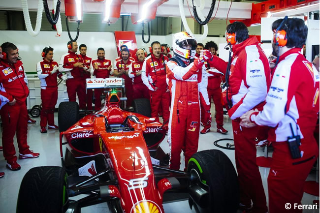 Sebastian Vettel - Aplausos Box- Scuderia Ferrari - Test Jerez - 2015 - SF15-T