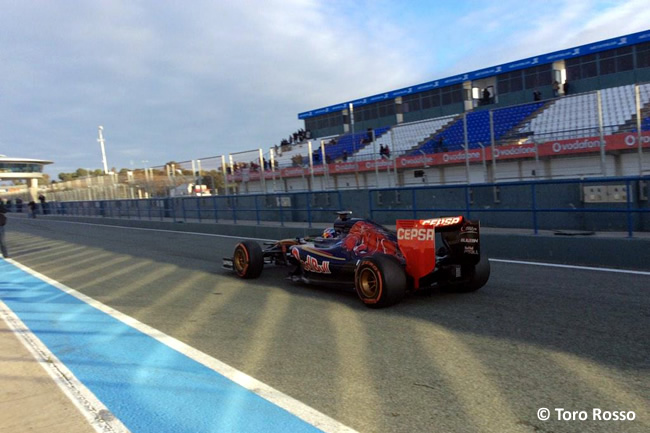 Toro Rosso - Max Verstappen - STR10 - Jerez - 2015 - Día 2 - Test