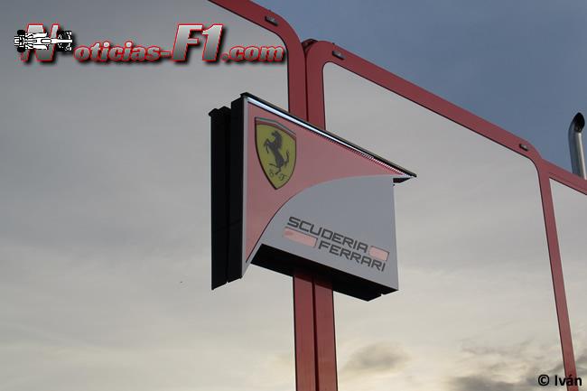 Logo Scuderia Ferrari - 2015 - www.noticias-f1.com