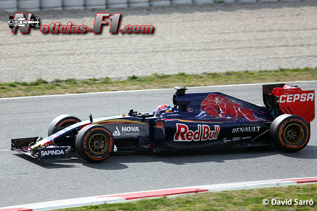 Max Verstappen - Toro Rosso - 2015 - STR10 - David Sarró - www.noticias-f1.com