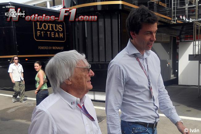 Bernie Ecclestone - Toto Wolff - ww.noticias-f1.com