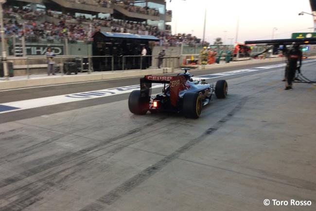 Carlos Sainz - Toro Rosso - GP Abu Dhabi 2015