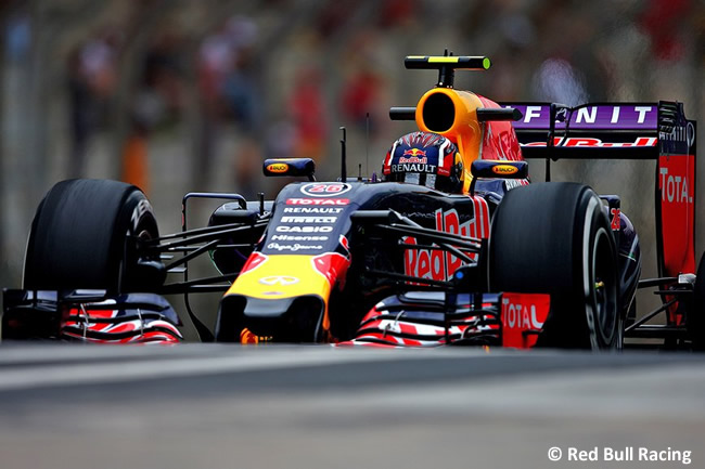 Daniil Kvyat - Red Bull Racing - Gran Premio de Brasil 2015Daniil Kvyat - Red Bull Racing - Gran Premio de Brasil 2015
