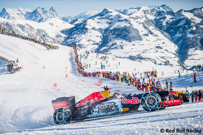 Max Verstappen - Red Bull Racing - Nieve - RB7