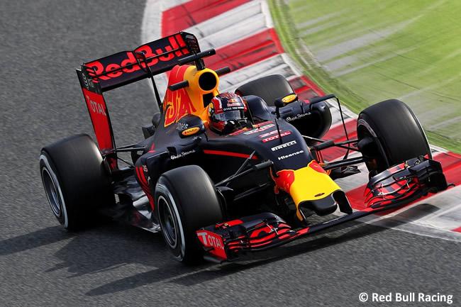 Daniil Kvyat- Red Bull Racing - RB12