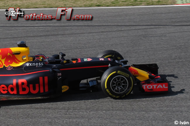 Daniil Kvyat - Red Bull Racing - RB12