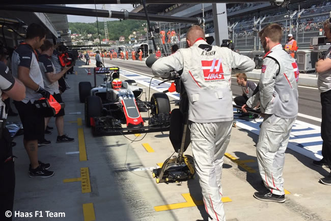 Esteban Gutiérrez - Haas F1 Team - GP Rusia Entrenamientos 2016