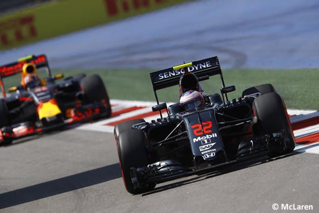 Jenson Button - McLaren - GP Rusia 2016 - Entrenamientos
