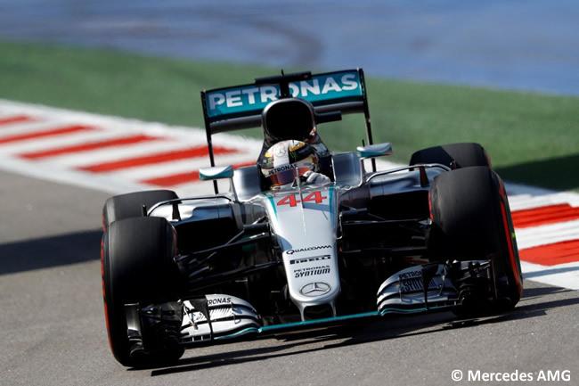 Lewis Hamilton - Mercedes AMG - GP Rusia 2016 - Entrenamientos