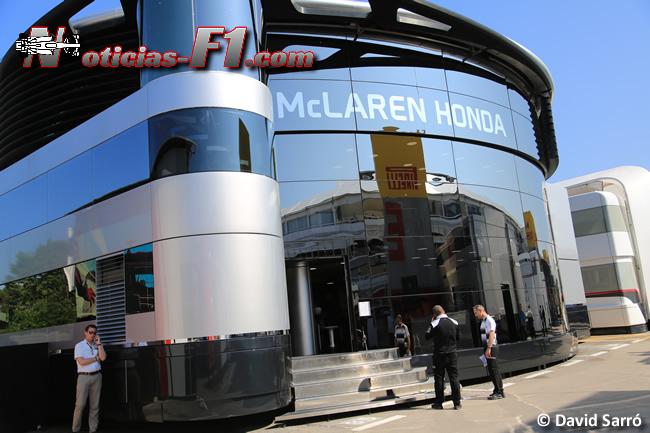 McLaren-Honda - Motorhome - www.noticias-f1.com - David Sarró