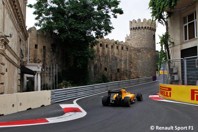 Renault - Entrenamientos Libres - GP Europa Bakú 2016