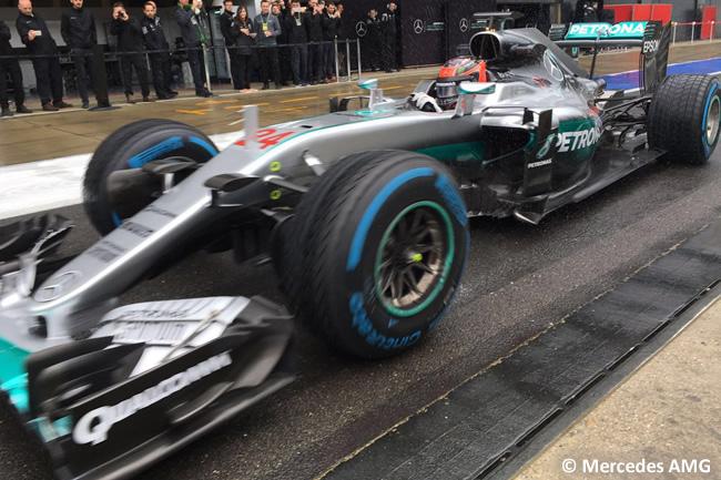 Esteban Ocon - Mercedes - Test Silverstone - Día 1
