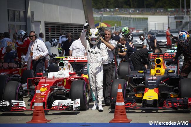Lewis Hamilton - Mercedes - Pole - GP Austria 2016
