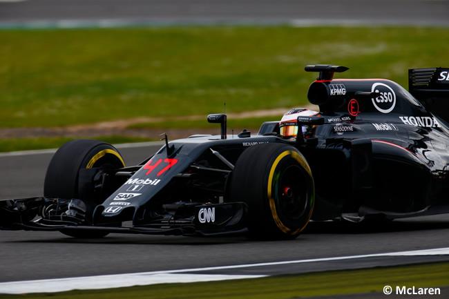 Stoffel Vandoorne - McLaren - Test Silverstone 2016 - Día 2