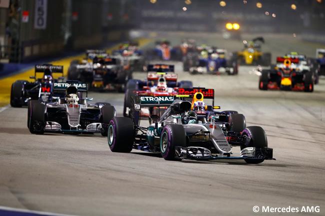 Salida Mercedes AMG - GP Singapur 2016
