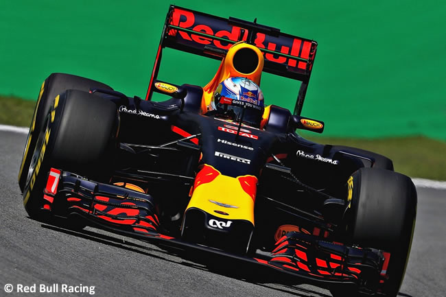 Red Bull Racing - GP Brasil 2016 - Viernes