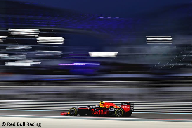 Red Bull Racing - Carrera GP Abu Dhabi 2016