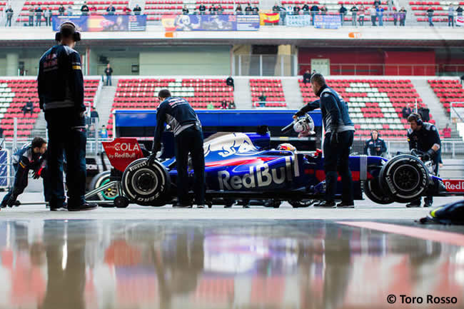 Carlos Sainz - Toro Rosso - Test 1 Barcelona - Pretemporada 2017 - Día 1