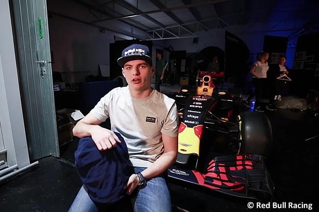 Max Verstappen - Red Bull Racing - Casco 2017